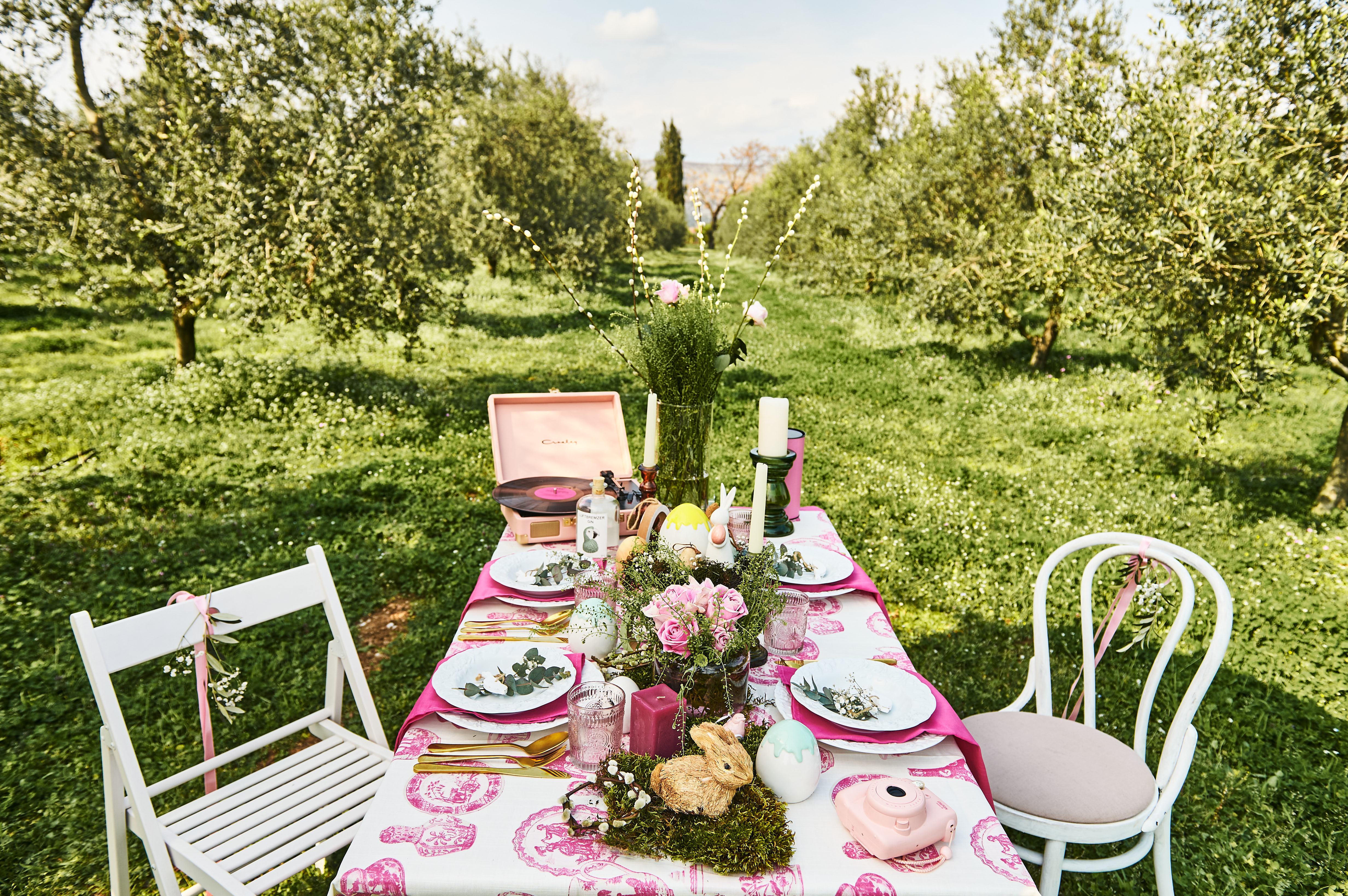 Praznik na stolu – sto u prirodi